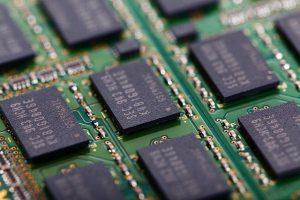 ¿Qué es la memoria RAM DDR y qué tipos existen?